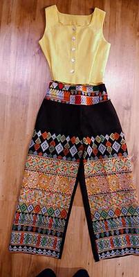 มาแล้วค่า กางเกงมหัศจรรย์ … จะสายชิว สายซ่า สายฮา สายโก้ เรียบหรู ดูดี ได้หมด ถ้าสดชื่น ราคาไม่แพง ใส่แล้วแรงเกินตัวค่า.. กางเกงผ้าใยกันชง…
