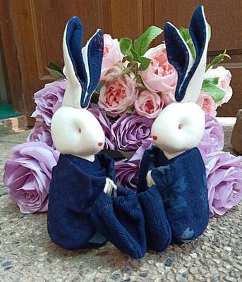 ตุ๊กตากระต่ายคู่